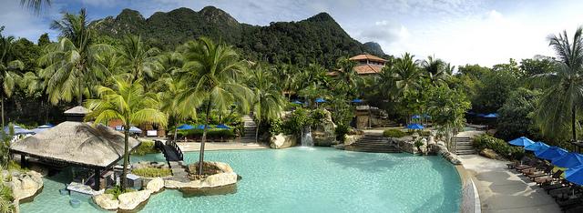 resort 3
